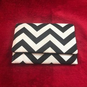 Foxy Vida twin peaks chevron print purse clutch